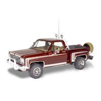 Revell 1/24 1976 Chevrolet Sports Stepside Pickup Scaled Plastic Model Kit