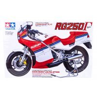 Tamiya 1/12 Suzuki RG250 w/ Full Options Motorcycle Plastic Model Kit