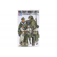 Tamiya 1/35 German Soldiers at Field Briefing Scaled Plastic Model Kit