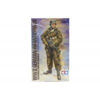 Tamiya 1/35 German WWII Infantryman w/ Reversible (Winter Uniform) Scaled Plastic Model Kit