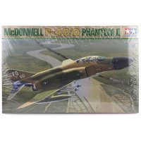 Tamiya 1/32 McDonnell Douglas F-4C/D Phantom II Jet Scaled Plastic Model Kit