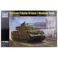 Trumpeter 1/16 German Pzkpfw IV Ausf.J Tank Scaled Plastic Model Kit